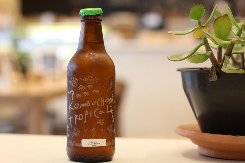 garrafa de kombucha