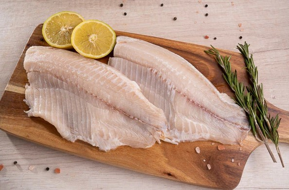 peixes saborosos um saint peter na tabua