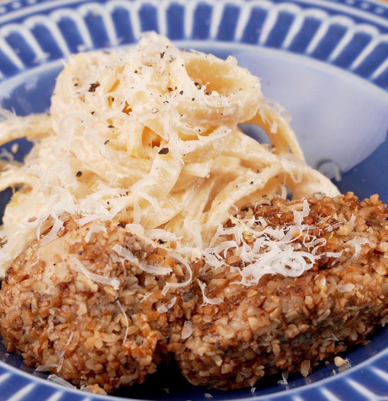 receita de talharim e frango com crosta de castanha de caju
