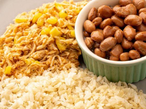 refeição com alimentos para ganhar massa muscular