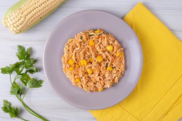 frango desfiado no cardápio de comida saudável