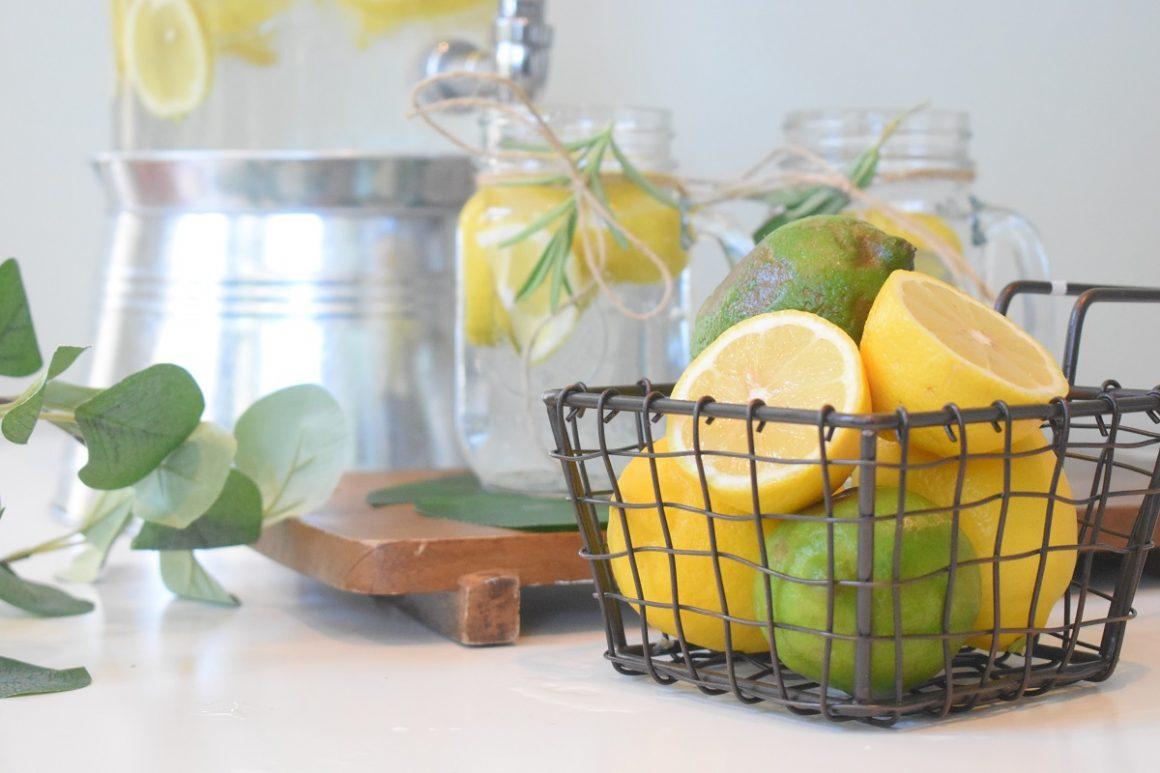 benefícios do limão com água