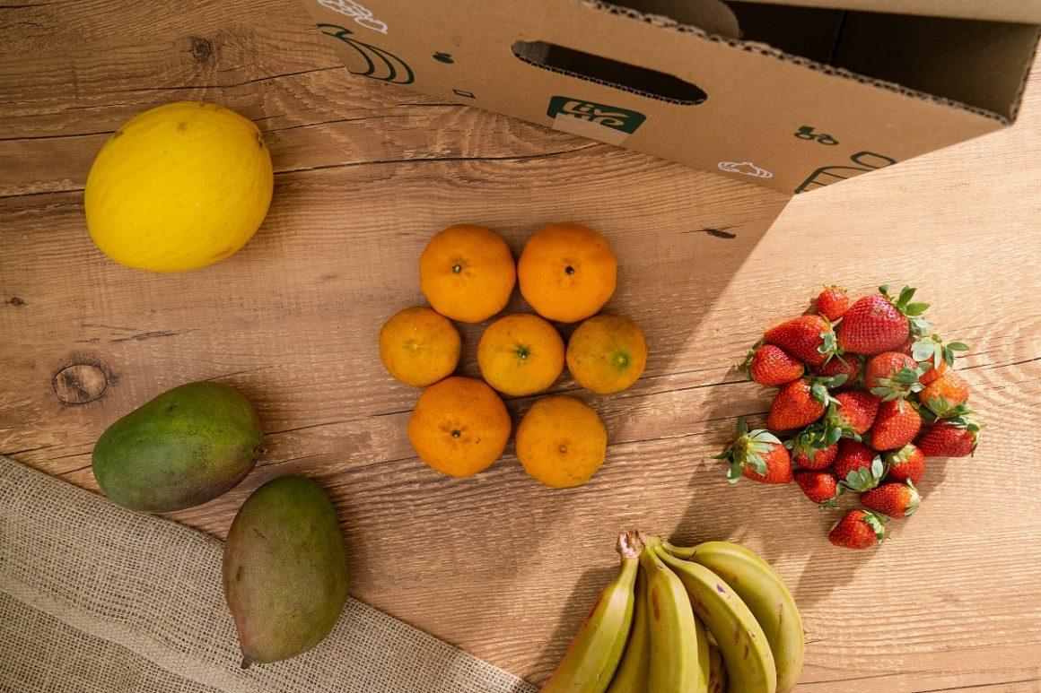 alimentos de uma entrega de produtos orgânicos a domicílio