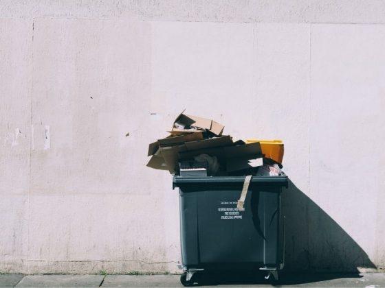 lixo que mostra a importância da reciclagem